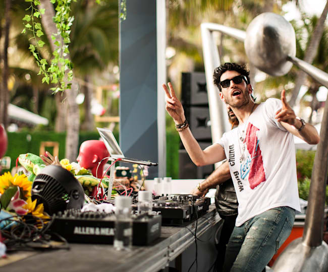 Chromeo Throws Peace Signs