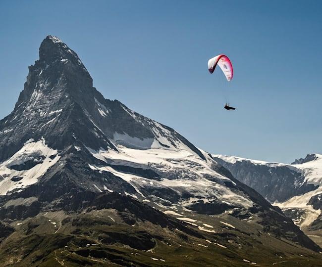 Chrigel flying the Matterhorn