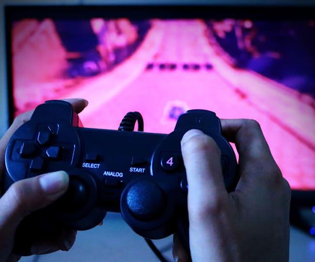 Platform gaming header