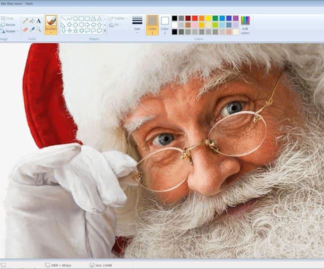 Papai Noel ultrarrealista feito no Paint Brush