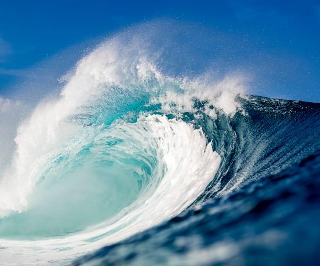 Waves in Hawaii