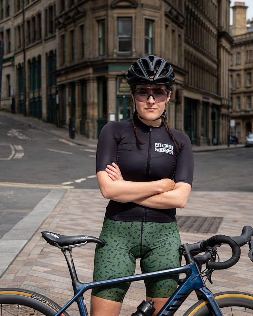 Culote corto con tirantes Attacus Cycling Foundation mejores culottes de ciclismo para mujeres
