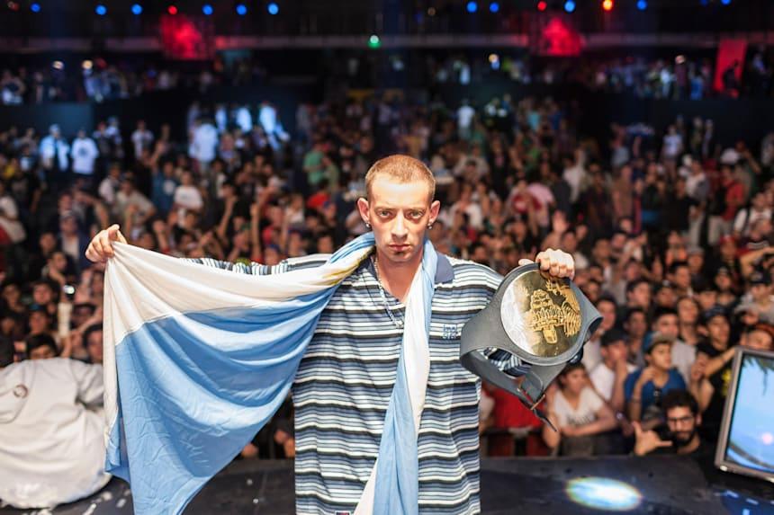Dtoke, ganador mundial de la Batalla de los Gallos