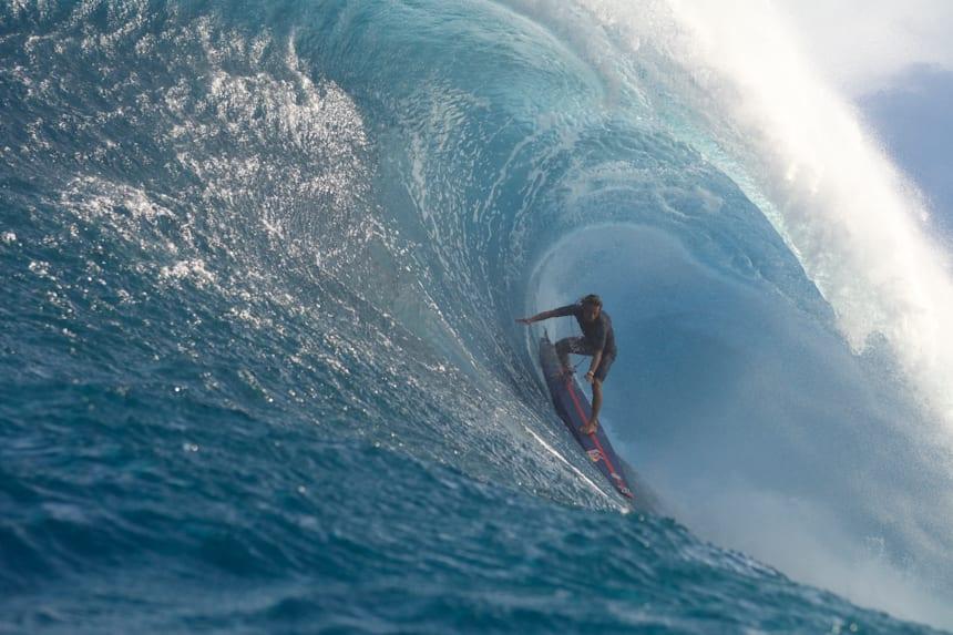 הדוקומנטרי החדש של קאי לני מציג גולש ענק כמו הגלים עליהם הוא רוכב