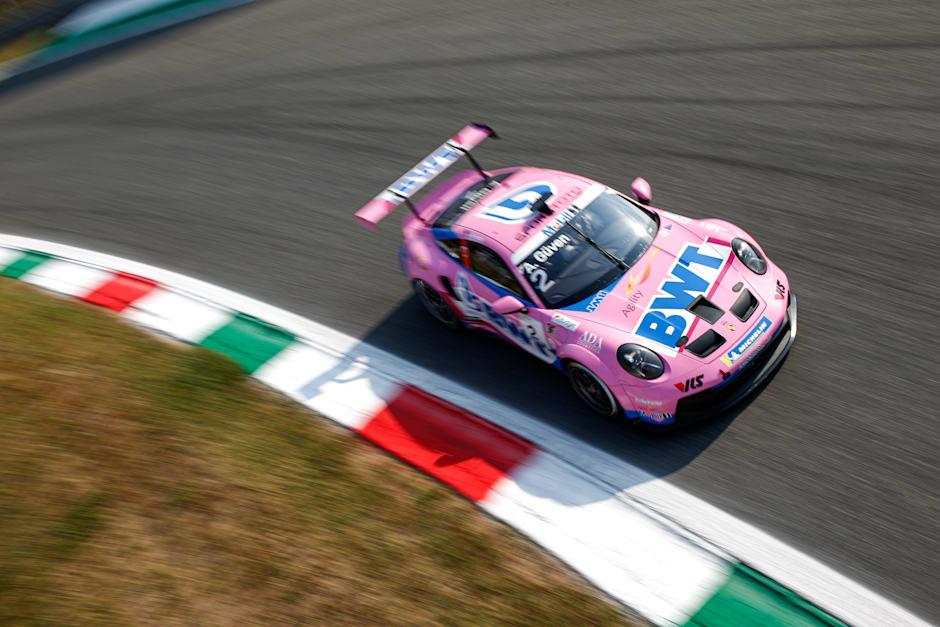 Porsche Mobil 1 Supercup'ta Ayhancan'dan sezonun ilk zaferi