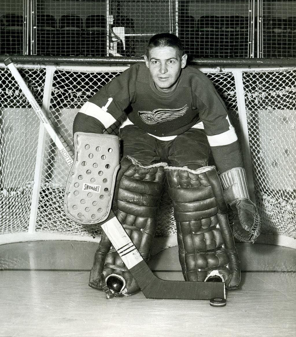 кто-то уже хоккейные вратари прошлого фото обнаружил