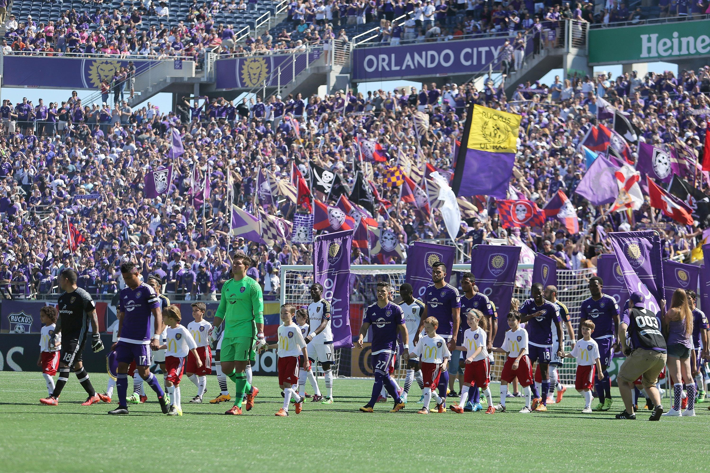 MLS開幕時の写真