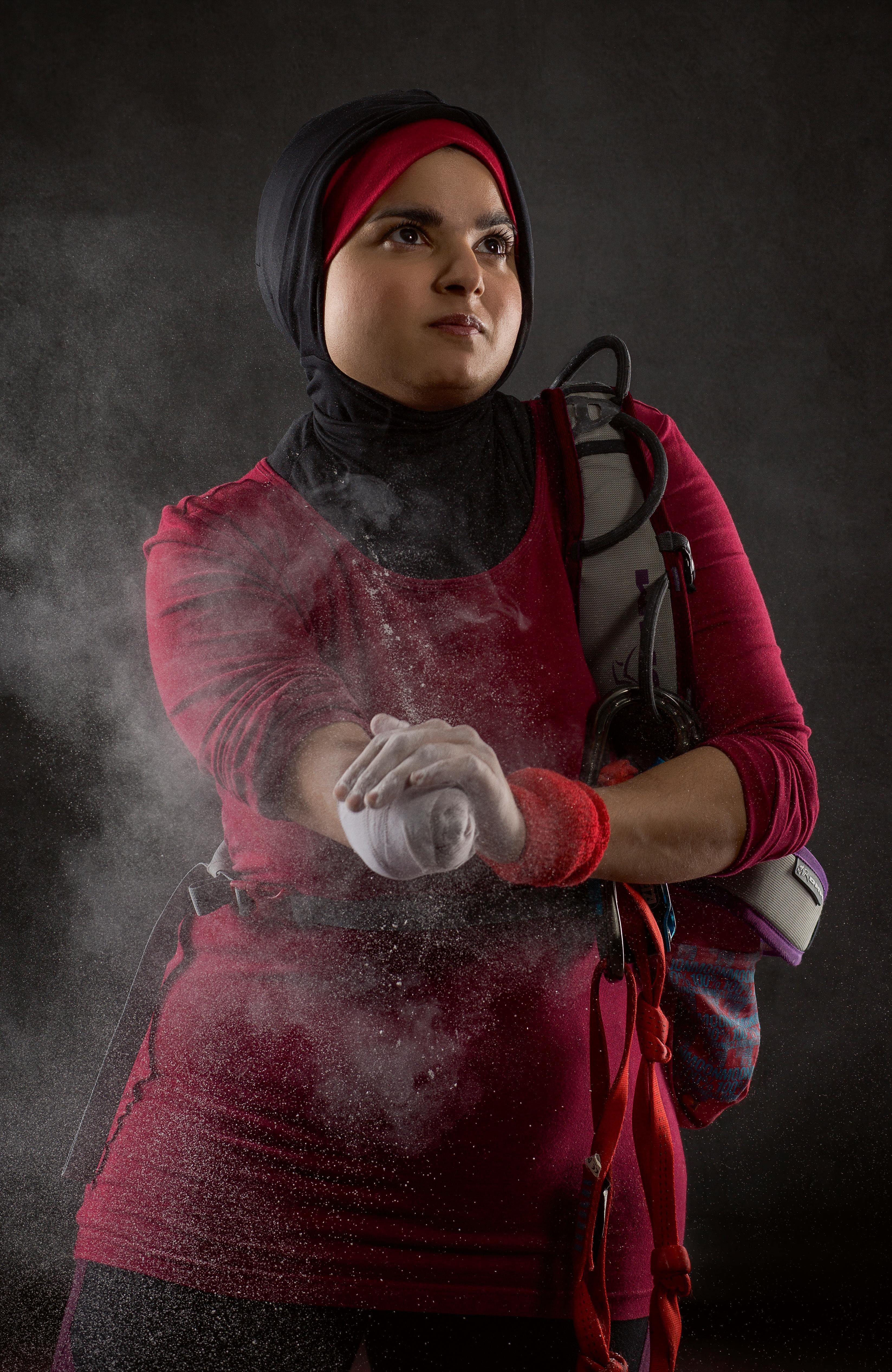 Hijab femeie intalnire)