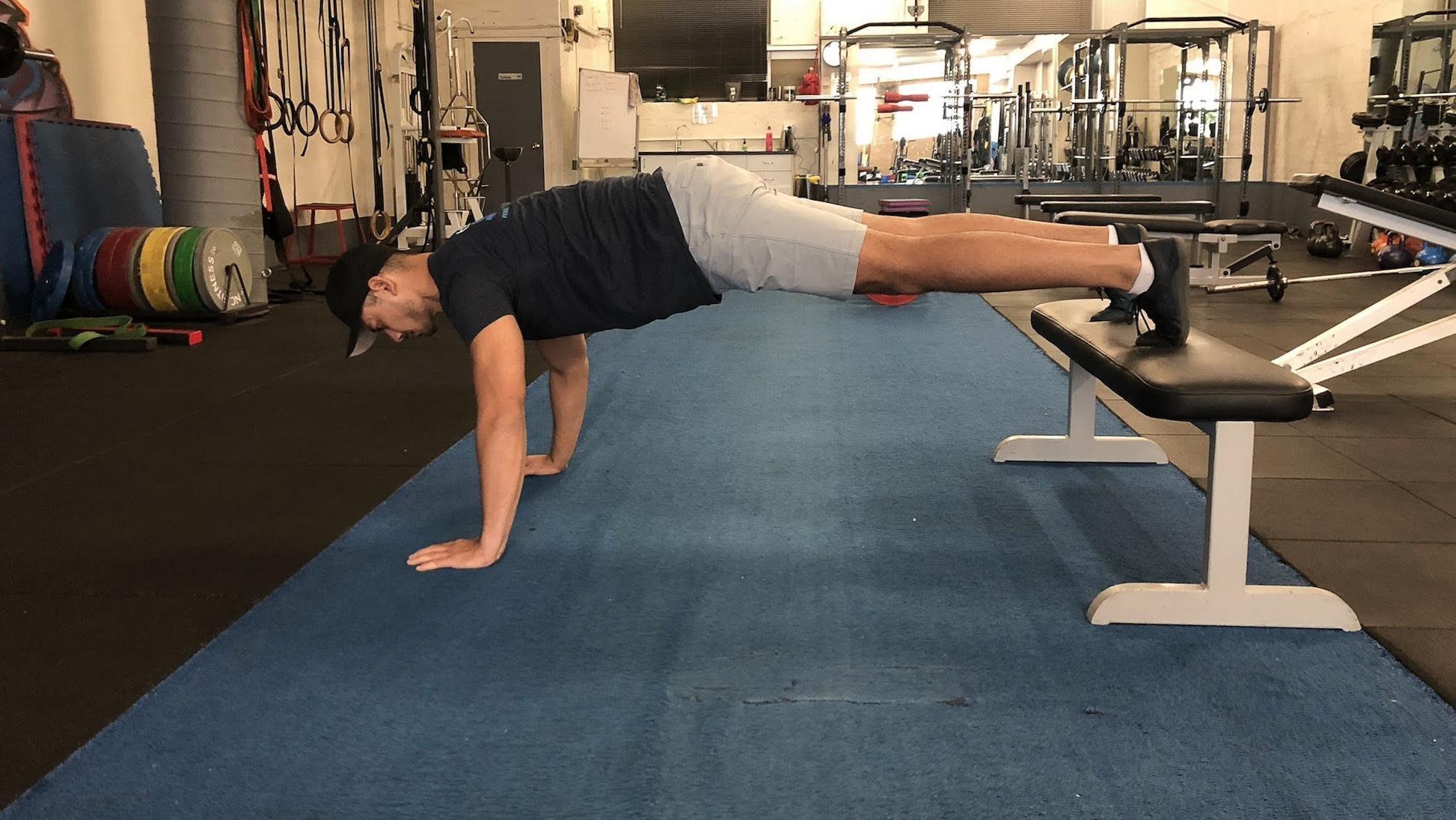 thay đổi góc push ups để tăng độ khó bài tập